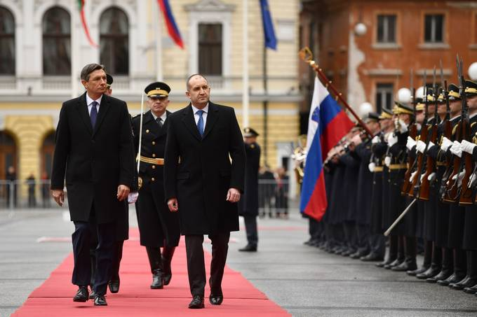President Pahor and Ms Pečar host the President of the Republic of Bulgaria Radev with his spouse on an official visit to Slovenia